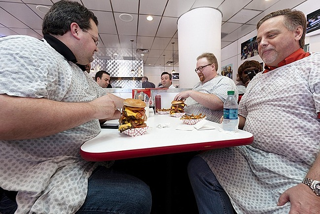 Customers-in-Cafe-tasting-heart-attack-grill