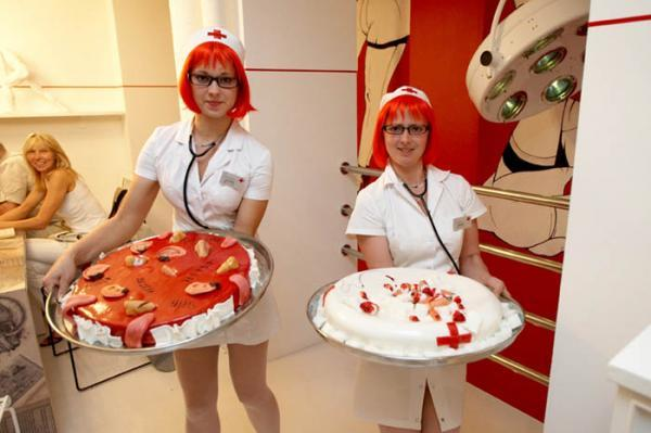 Nurse-serving-food