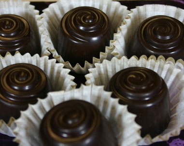 dark-chocolate-in-cups