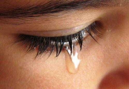 girl-with-tears